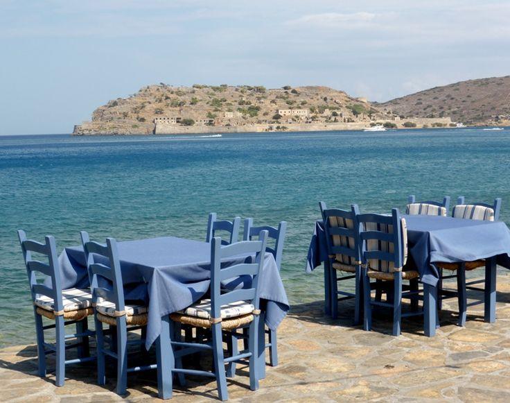 """Creta é a maior ilha grega e o destino perfeito para quem gosta de diversidade. Com preços atraentes e inúmeras opções de passeios, a popularidade está cada vez mais em ascensão, tanto que foi eleita a terceira das dez melhores ilhas da Europa, TripAdvisor-Prêmio Traveller's Choice 2015. E dentre as centenas deatividades, fiz a triagem...<br /><a class=""""more-link"""" href=""""https://catracalivre.com.br/geral/viagem-acessivel/indicacao/um-passeio-pelo-leste-de-creta-2/"""">Continue lendo »</a>"""