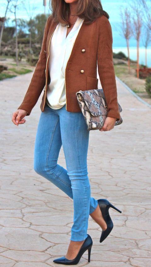 Jeans + Blouse + Heels = Love It !