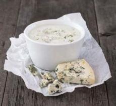 Recepty: Dip z modrého sýru