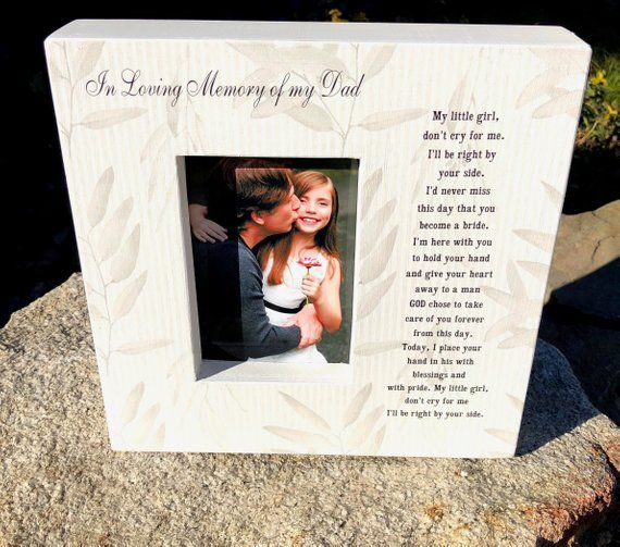 In Loving Memory Dad Wedding Picture Frame Sign Picture Frame Etsy In 2020 Wedding Picture Frames Wedding Frames Father Of The Bride