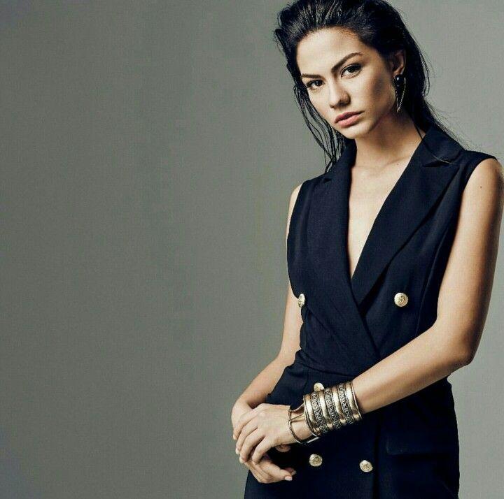 Turkish actress Demet Özdemir