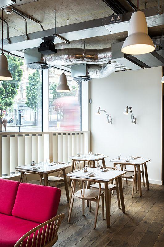 Turnmill Albion restaurant in Farringdon, Central London   Image by Paul Raeside