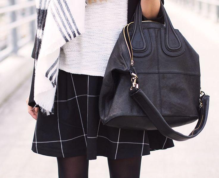 Nettenestea antrekk rutete skjørt weekday outfit casual skjerf zara givenchy veske sort mote blogg september 2014
