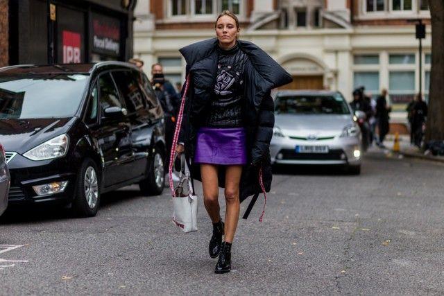 IN La stylist Tess Yopp in total look firmato J.W. Anderson. Impossibile sbagliare. #streetstyle #mfw