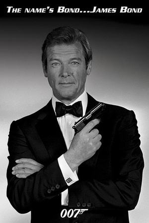 ROGER MOORE (JAMES BOND)