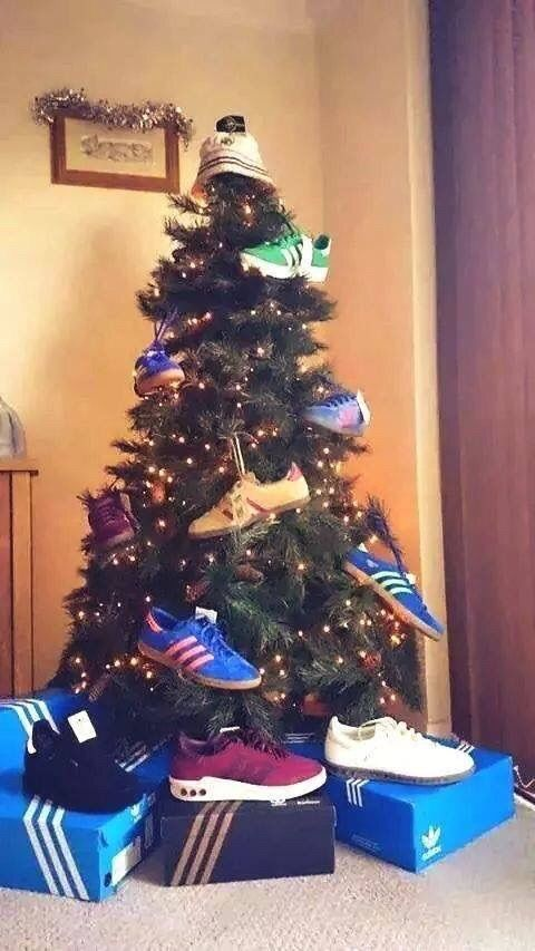 T Rex Hates Christmas