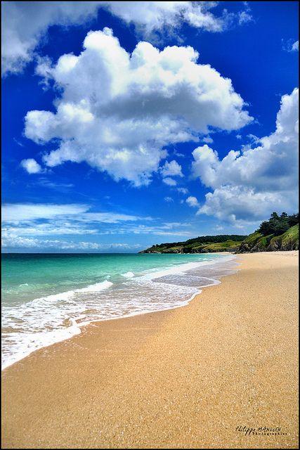belle ile en mer - bretagne - france - la plage des grands sables by philippe MANGUIN