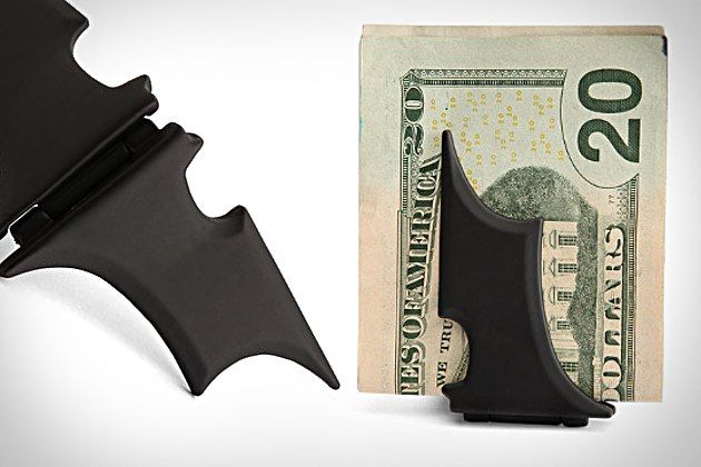 Who would steal from Batman? Batman Money Clip.Gift Guide, Holiday Gift, 10 Gorgeous, Gorgeous Gift, Moneyclip, Gift Ideas, Batman Money, Money Clips, Boyfriends Gift