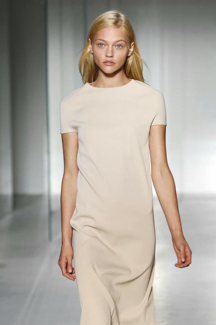 Minimal + Classic: Sasha Pivovarova | Simple Elegance