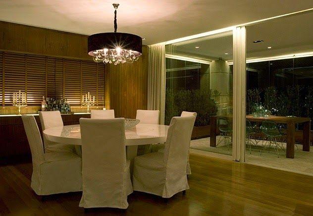 Mesas redondas - veja 30 salas de jantar e cozinhas com essa tendência + dicas!
