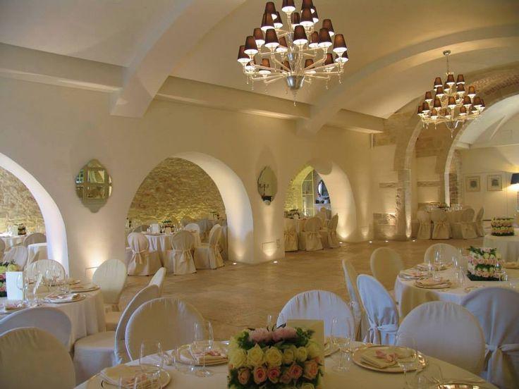 #cortebracco #wedding #puglia #ricevimenti #nozze #matrimonio Il Monastero: tinte chiare, giochi di luce e di specchi, la bellezza e l'eleganza di un luogo senza tempo