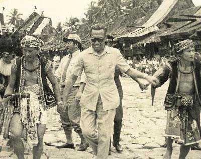 BERITA JOGJA – Banyak orang tua yang masih ingat betul sosok Sri Sultan Hamengkubuwono (HB) IX. Dari cerita para orang tua, Sultan HB IX dikenal ramah dan dekat dengan rakyat.