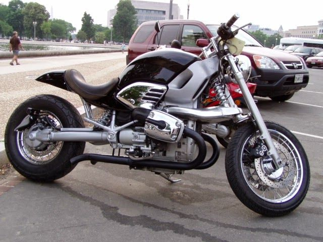 Bmw R1200C Cafe Racer and there is not more info on this build, but this BMW Cafe Racer is simply super, Custom Cafe racer Seat, Custom Exhaust.
