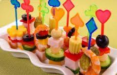 Výsledek obrázku pro идеи украшения стола на детский день рождения