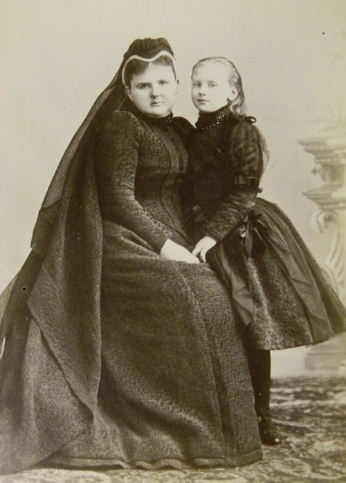 Miss Honoria Glossop:  The widowed Queen Regnant (later Dowager Queen) Emma of the Netherlands with her only child, Queen Wilhelmina (reigned 1890-1948), mother of Queen Juliana and grandmother of Queen Beatrix.