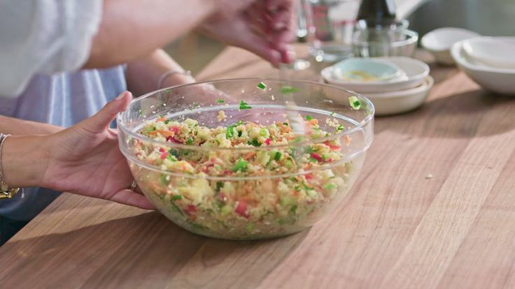 Minutes futées : Salade de couscous aux œufs brouillés
