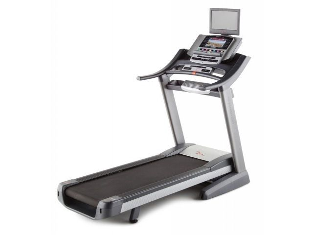 7 Great Folding Treadmills for Small Spaces: Freemotion 790 Interactive Treadmill
