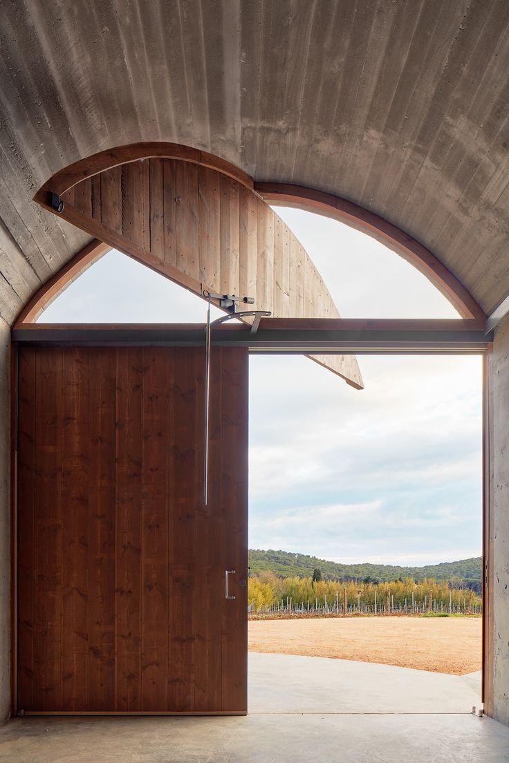 Bodega Mont-ras / Vidal Tomas arquitectos
