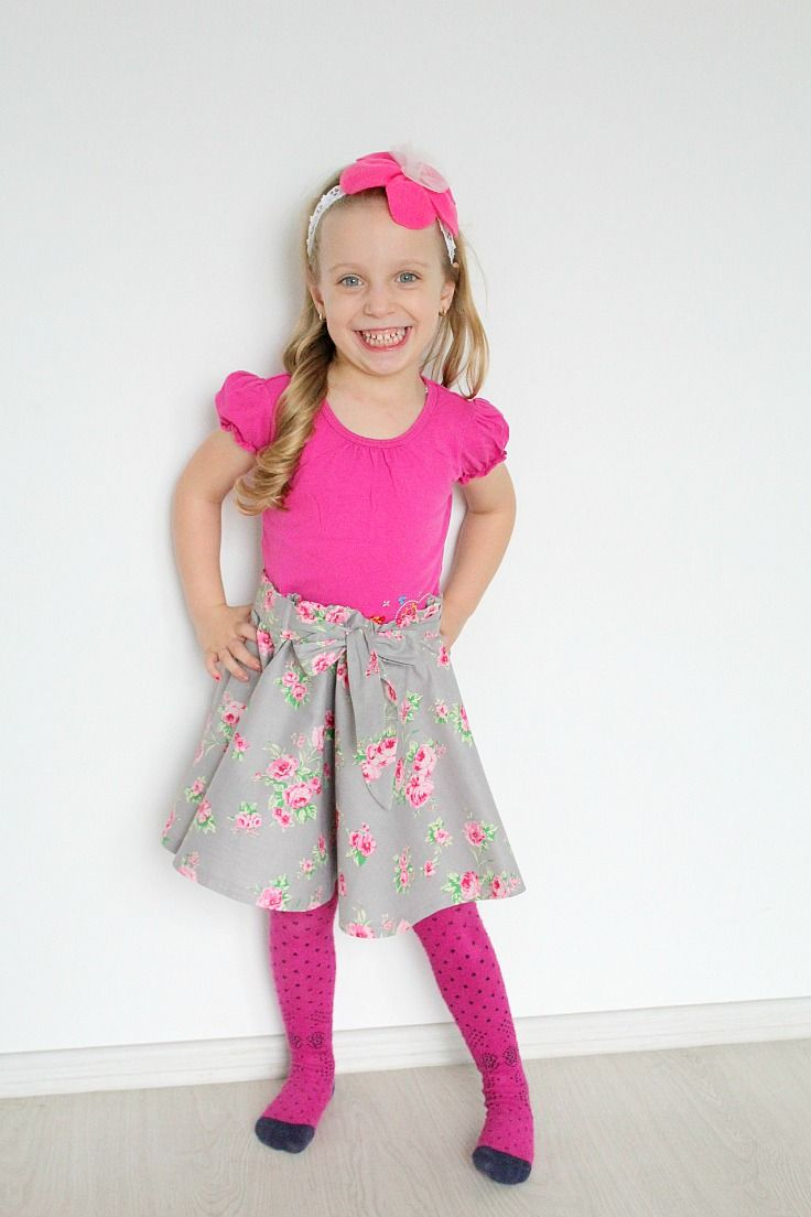 Circle skirt sewing tutorial no zipper - Do you love the look of those twirly circle skirts? Here'show to make a DIY circle skirt for yourself or your little girl, without having to insert a zipper.