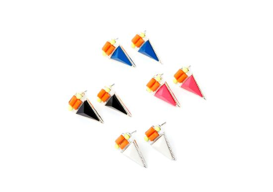Triangle Piercings http://www.jnize.com/en/article/100000131/