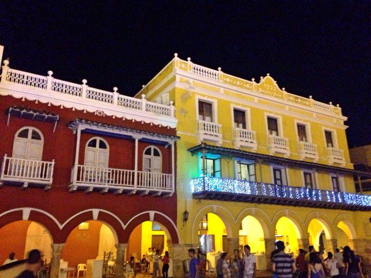 Cartagena de Índias - Colômbia  https://emcriseeconomica.wordpress.com/2015/08/27/cartagena-de-indias-caribe-economico/