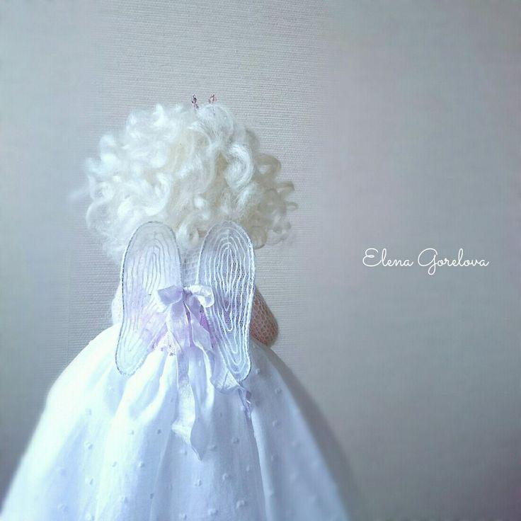 Белый ангел. Крылья. Кукла Елены Гореловой. Текстильная кукла