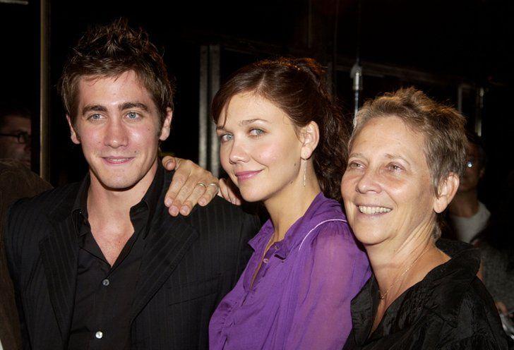 Pin for Later: Une Maman, S'est Sacré – Même Pour les Stars Jake et Maggie Gyllenhaal Jake et Maggie Gyllenhaal et leur maman, Naomi Foner, à l'avant première du film Moonlight Mile en 2002.