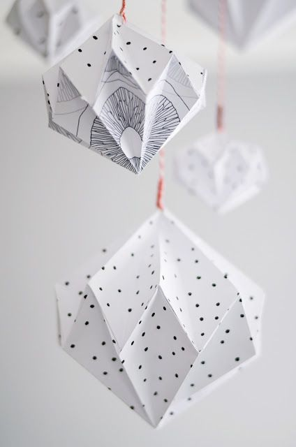Paper diamonds by s i n n e n r a u s c h. Tutorial here http://designoform.com/crafts/tutorial-paper-diamonds-diy/