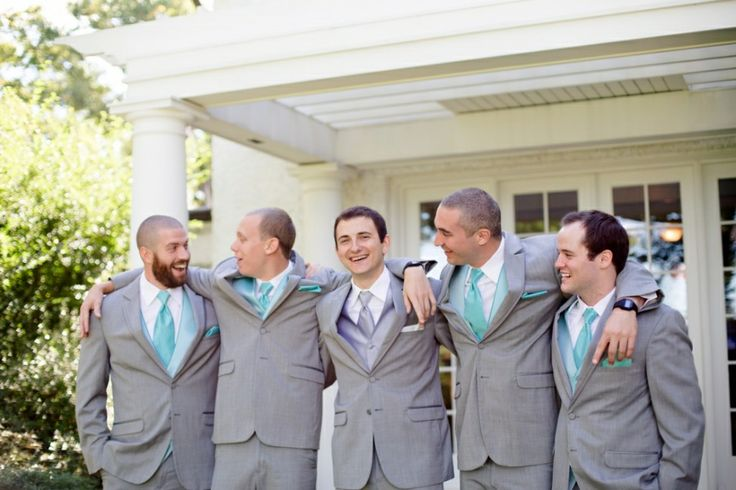how to choose bestman and groomsmen