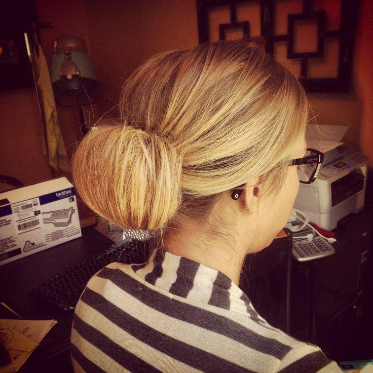 Low no curl chignon #stylebykendyl #aveda