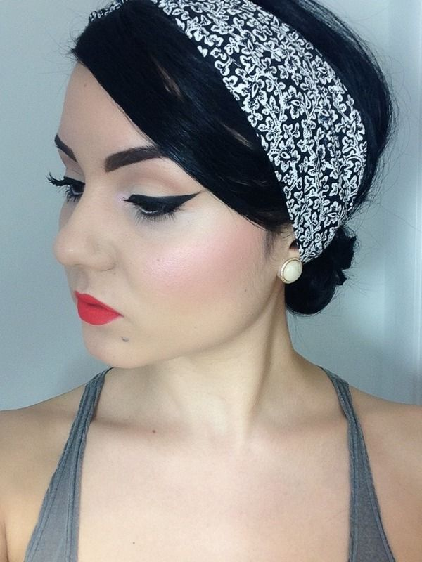 Pin-up look using Lime Crime's Suedeberry Velvetine.