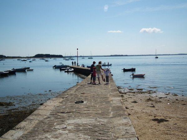 """18 Sep Eté 2011: Golfe du Morbihan nous revoilà!  Publié par Olivier PERHIRIN  - Catégories :  #Balades en mer     Il y a un an, nous découvrions le Golfe du Morbihan pour la première fois avec notre bateau (Vacances d'été 2010 dans le Golfe du Morbihan) , nous étions sous le charme et comme je l'avais écrit, """"on y retournera"""" !  Chose dite, chose faite !  DSCF7260  Entre temps, comme vous l'avez lu et déjà découvert, nous avons changé de bateau. Cette année, c'est avec Lytiry, un Zodiac Pro…"""