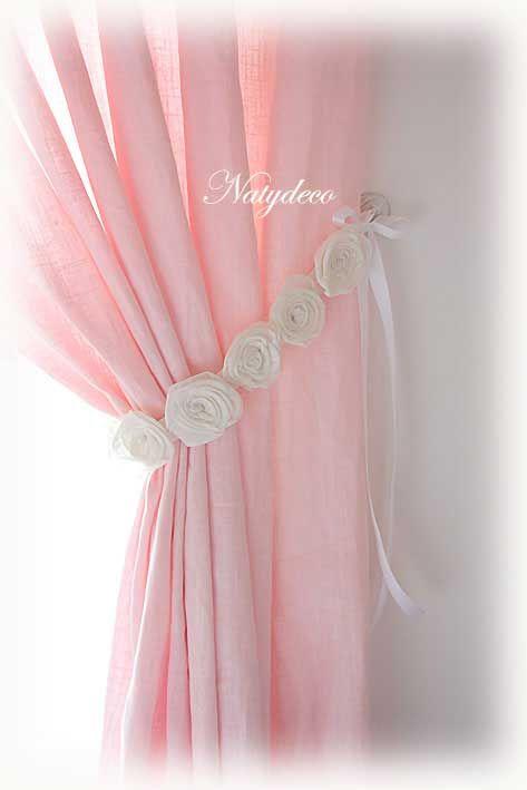 Embrasse avec des roses en voile de lin fait main http://www.natydecocorse.com