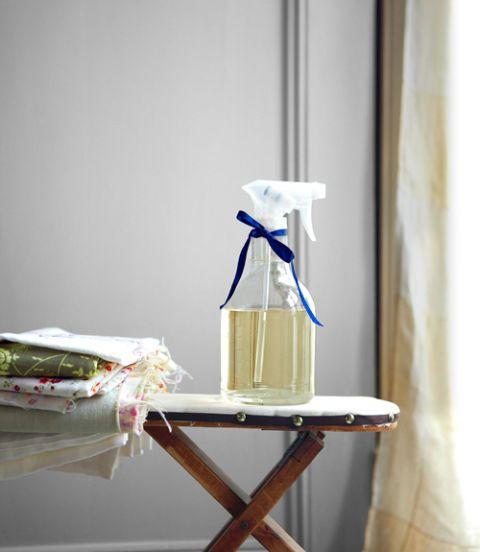 洗濯にルームフレグランスにリネンウォーターの優しい香りを暮らしに取り入れて