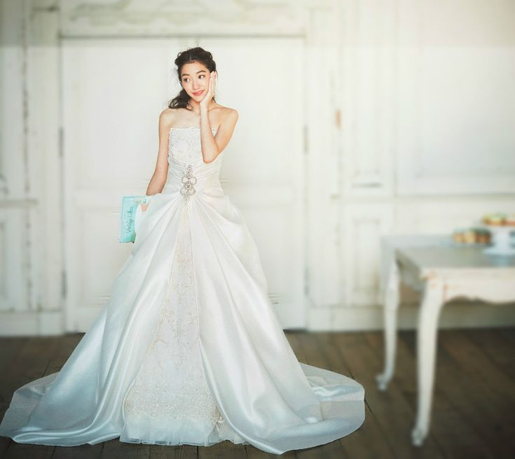 \男の本音教えてあげる♡/新郎目線で選べば人気のドレスは圧倒的にAラインだってこと、知ってる?にて紹介している画像