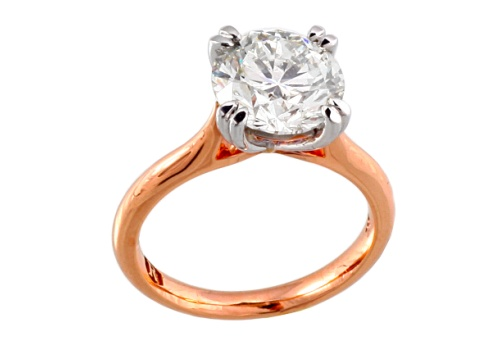 Diamond engagement ring \Model 	: 	30061 Diamond Cut 	: 	Brilliant Cut Diamond Diamond Clarity 	: 	VS1 Diamond Color 	: 	G Centre Stone Weight 	: 	3.20ct Total Diamond Weight 	: 	3.24 Carat Certificate No 	: 	 Certified Metal Type 	: 	Rose Gold
