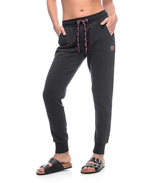 Fashion and comfort are fused in the Aspen jogger pants in the black colorway from Dravus. Crafted with a thick and soft fleece construction for comfort, these women's joggers feature a relaxed fit with a high rise waist, a tapered leg and thick elastic a