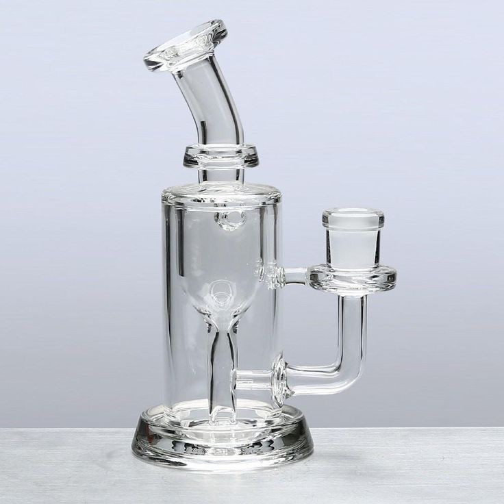 The 14mm Female Incycler Dab Rig by Leisure Glass is a bent neck bubbler with stemless design that features the newly designed Internal Recycler Perc. This amazing little perc doesn't actually bubble your water but circulates it while cooling the vapor making for an extremely smooth smoking experience. The small fixed stem design makes this rig convenient to use and travel with.