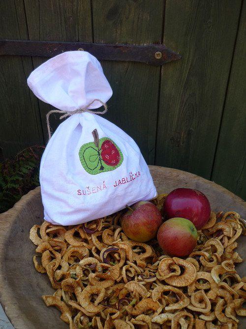 Pytlíček plný sušených jablíček II.