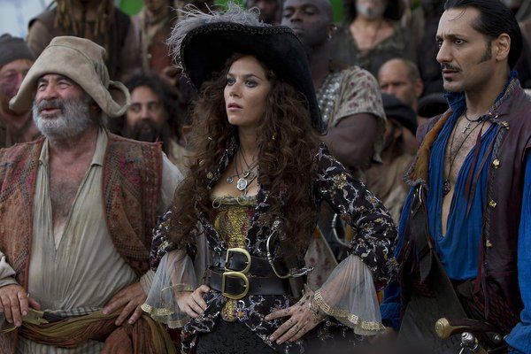 More Captain Bonny 'cause when you say you don't love Anna Friel then you are probably wrong.