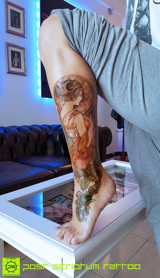 """Mucha tattoo""; it looks so good on that part of the leg!"