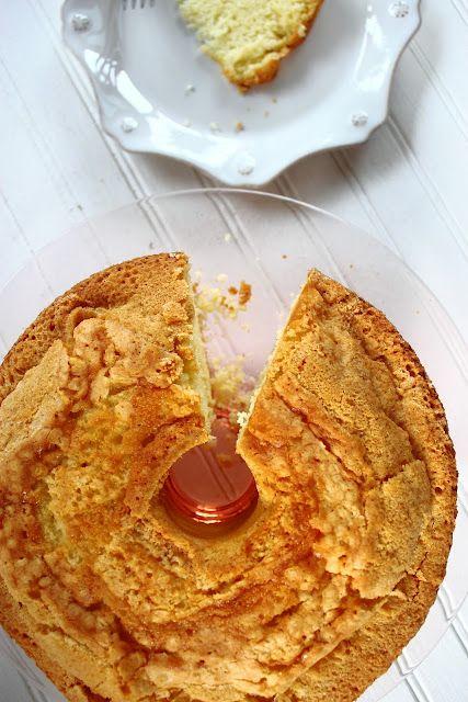 Duncan Hines Butter Golden Sour Cream Pound Cake