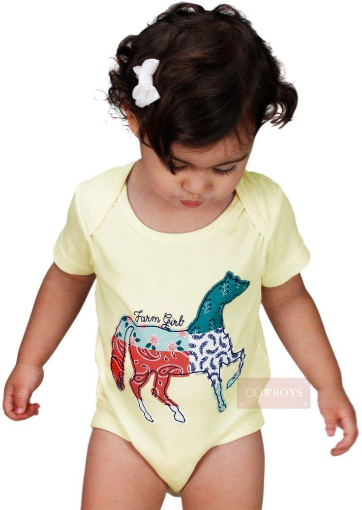 Body Bebê Horse Farm Girl    Body infantil feminino na cor bege, estampa do cavalo na parte frontal. Possui fechamento com botões de pressão na parte inferior. Ideal para dias mais quentes. Ótima opção para presentear as pequenas cowgirls.