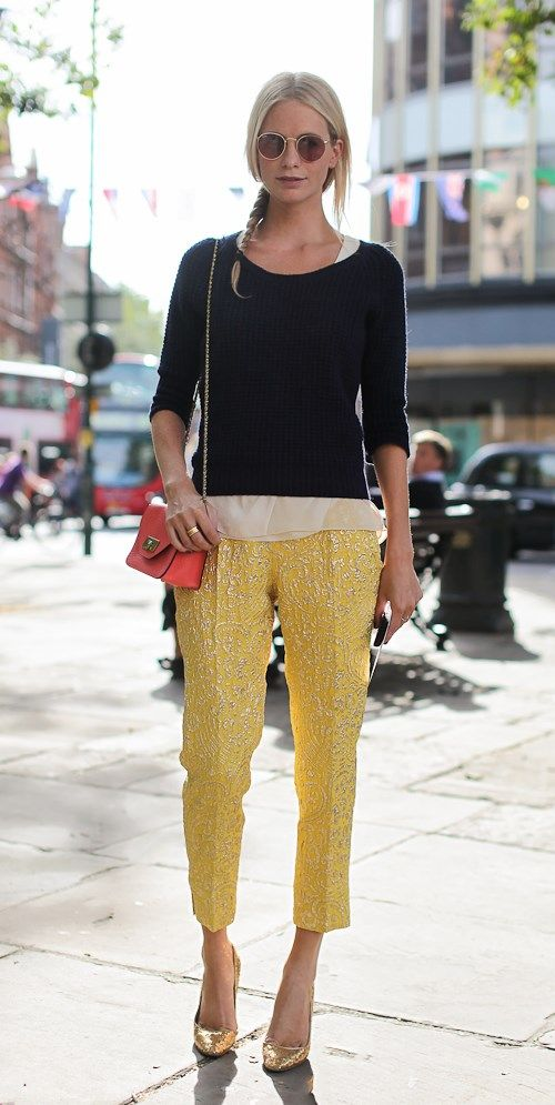 Poppy Delevigne #yellow pants #giallo