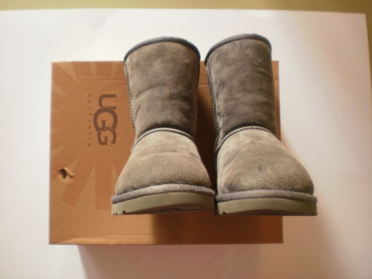 Original Ugg size 31 http://www.bebecouture.gr/index.php?id=3&pid=114