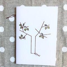 Quaderno illustrato e cucito a mano *nespolo_in_fiore*