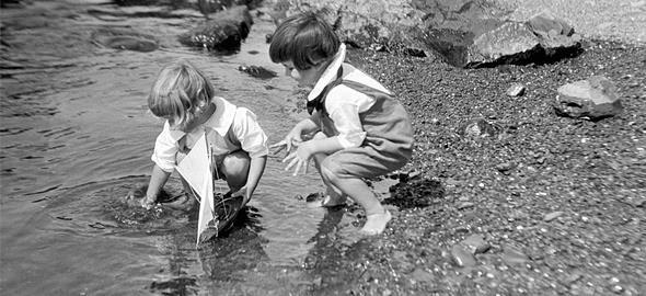 Πώς έπαιζαν τα παιδιά πριν το Internet: Ένα υπέροχο φωτογραφικό αφιέρωμα