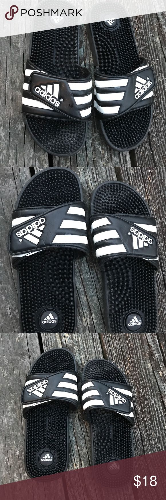 👱Adidas slides Black and white. Excellent condition. Before shipping, I will brush clean- one more time. Men size 9 Shoes Sandals & Flip-Flops