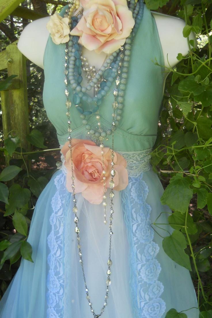 184 best vintage dresses images on Pinterest | Bohemian style ...