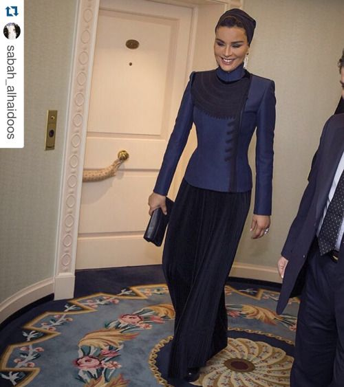 Sheikha Mozah looks so fab in Jean Paul Gaultiter Haute Couture ensemble from Fall Winter 2015 collection. Her body is amazing!